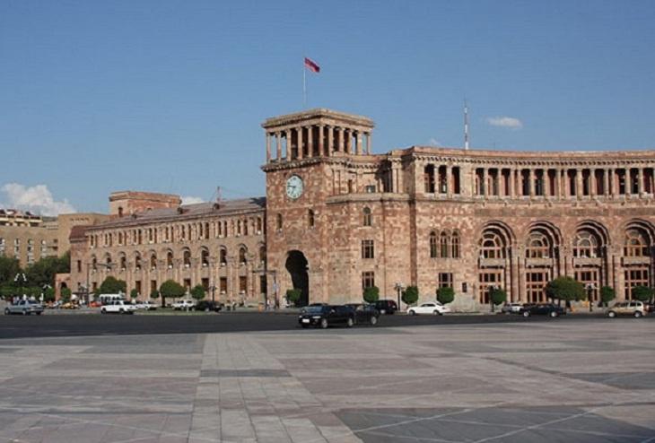 Ermənistan yenidən Kremlə sığındı