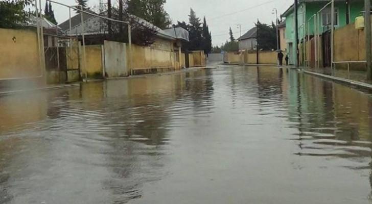 Mingəçevirdə 100-dən çox evi su basıb