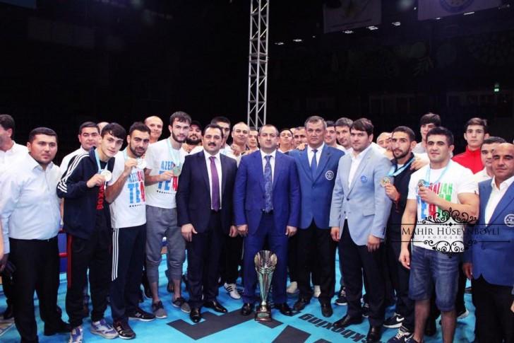 Türk dünyasının kikboksçuları Bakıda yarışdılar-