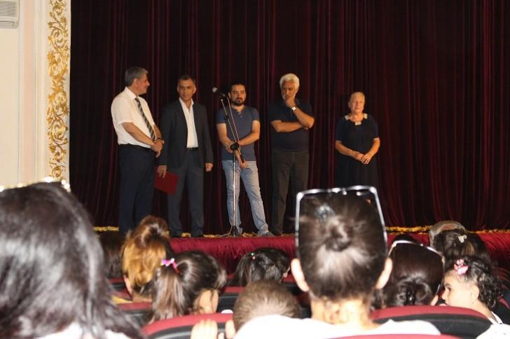 Lənkəran Dövlət Dram Teatrı mövsüm sonunda yaradıcı heyətini mükafatlandırdı