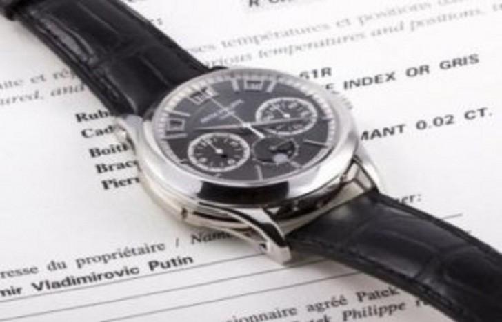 Naməlum şəxs Putinin saatını 1 milyon avroya aldı