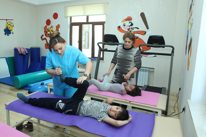 300-dən çox uşaq reabilitasiya xidmətləri ilə təmin edilib