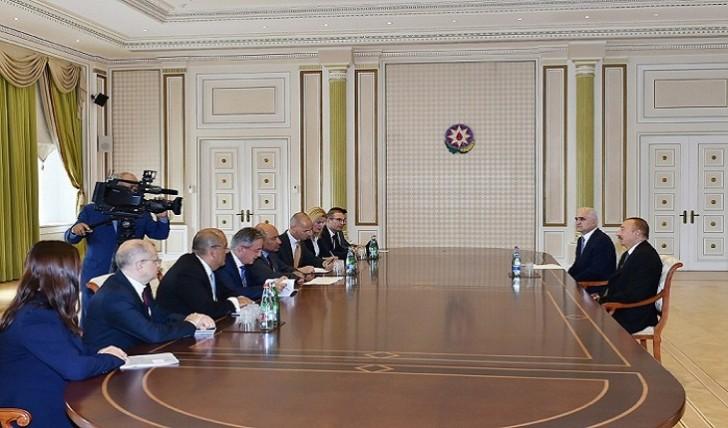 İlham Əliyev AYİB prezidentini qəbul edib