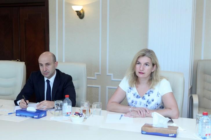 Səlim Müslümov AYİB-in nümayəndə heyəti ilə görüşüb-
