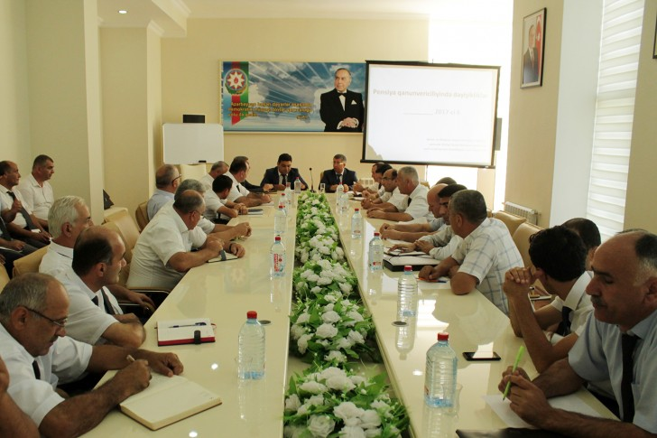 DSMF-nin 8 rayon şöbəsinin əməkdaşları üçün seminar müşavirə təşkil olunub