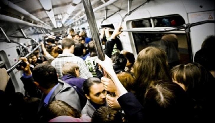 Metroda bu hərəkətləri etməyin: