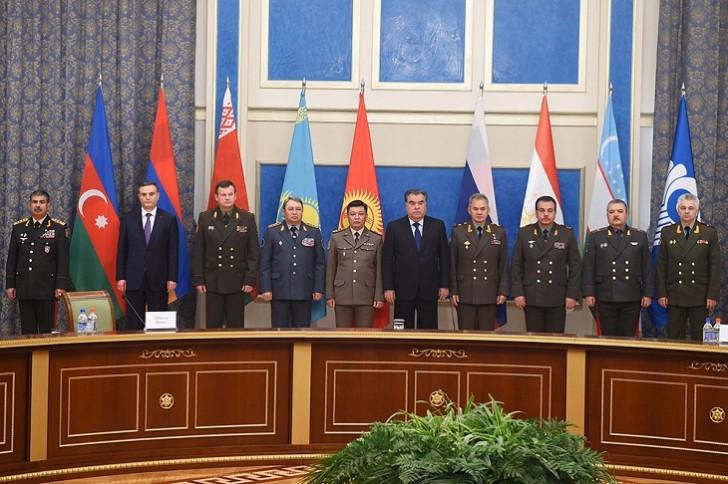 Tacikistan prezidenti MDB iştirakçı-dövlətlərinin müdafiə nazirləri ilə görüşüb