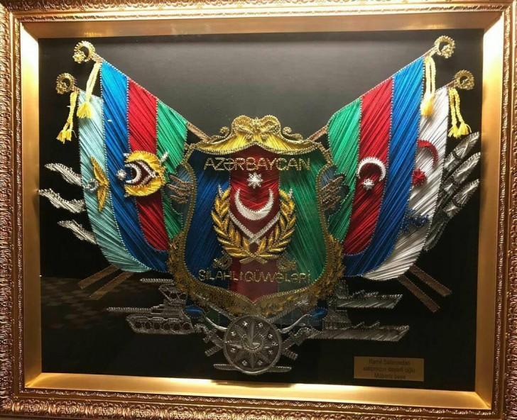 Ramil Səfərovdan Mübariz Mənsimova hədiyyə-