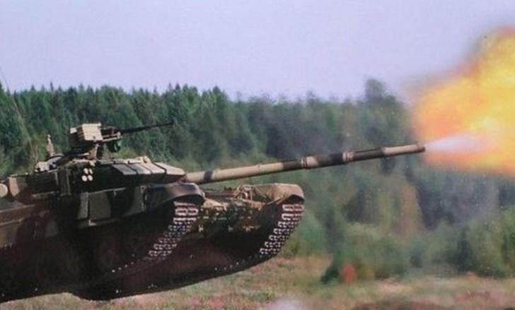 Rusiya tankları Ermənistanda hədəfləri məhv etdi