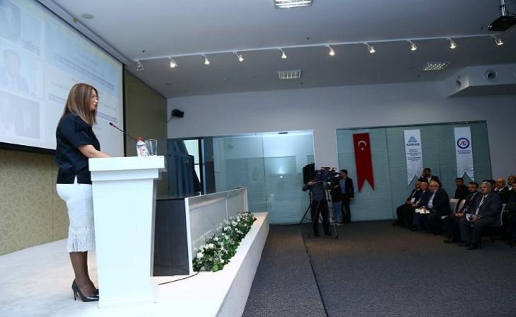 Qənirə Paşayeva 2-ci Sosial Elmlər üzrə Beynəlxalq Araşdırmalar Konqresində çıxış edib