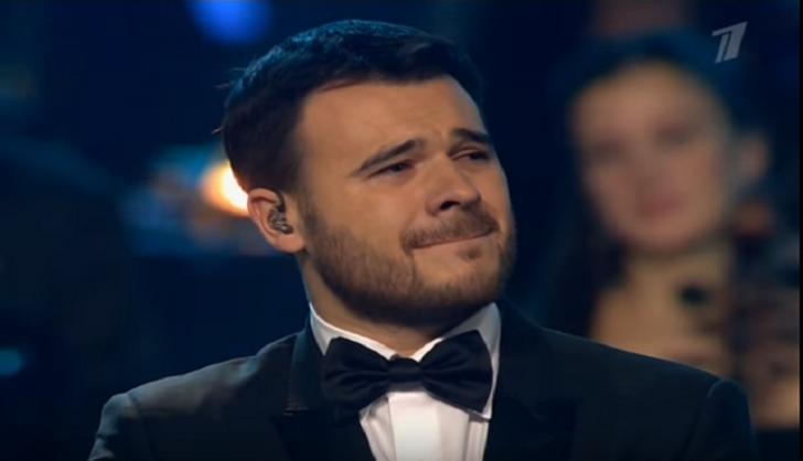 Emin Ağalarov konsertdə ağladı-