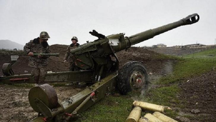 Erməni artilleriyaçılar öz hərbi hissələrini atəşə tutublar