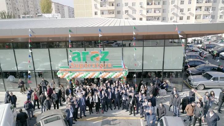 """""""Araz"""" supermarketlər şəbəkəsi ən böyük filialını açdı-"""