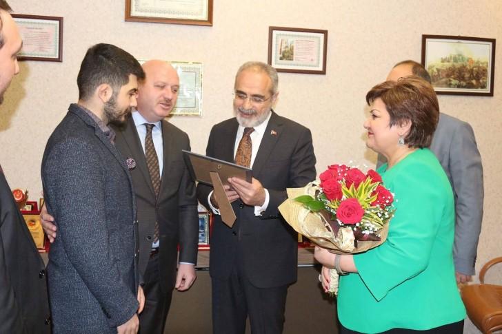 Türkiyə prezidentinin baş müşaviri Yalçın Topçu Azərbaycan Türkiyə Evini (ATEV) ziyarət edib