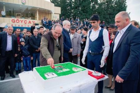 """Fərhad Əhmədovdan """"Nar bayramı"""", """"Nar abidəsi"""" və yeni stadion...-"""