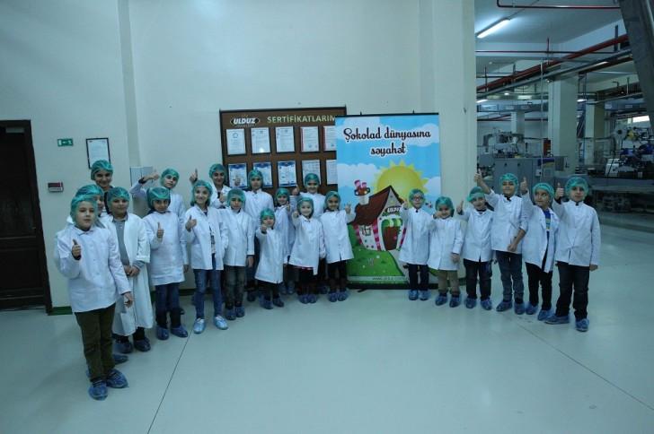 KİV nümayəndələrinin övladları Ulduz Şokolad fabrikində ekskursiyada-