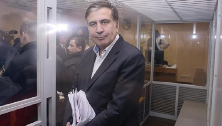 Saakaşvili məhkəməni özünü öldürəcəyi ilə hədələdi