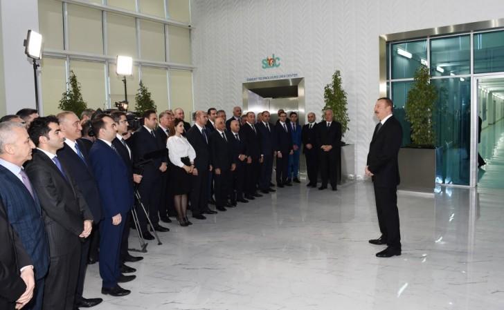 Prezident Sumqayıtda zavod və fabrikin təməlini qoydu, açılışlar etdi-