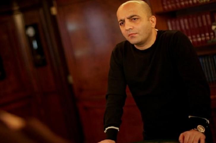Mübariz Mənsimov Xanım Qafarovanın qızına ev bağışladı