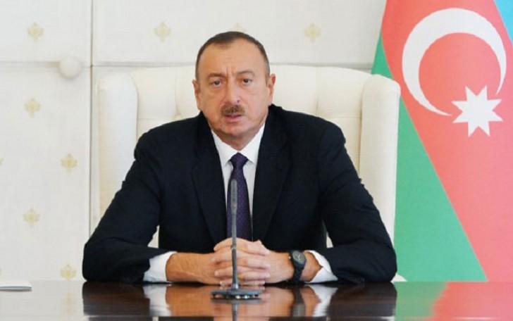 İlham Əliyev Özbəkistan prezidentinə baş sağlığı verib