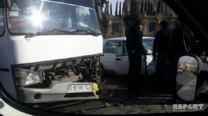 Bakıda daha bir sərnişin avtobusu qəzaya uğradı-