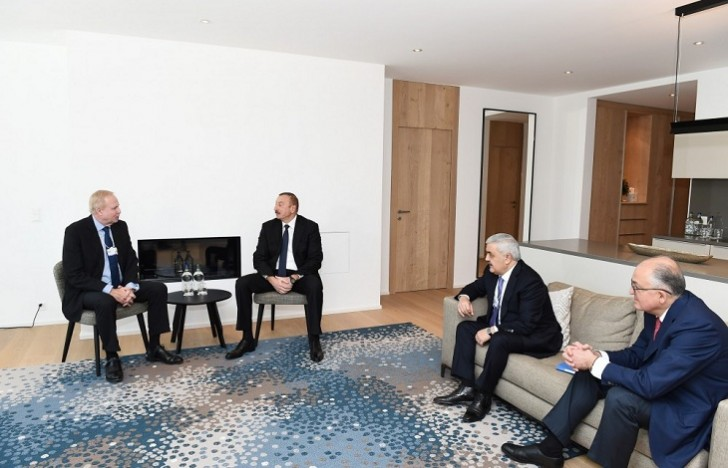 Prezident İlham Əliyev BP şirkətinin baş icraçı direktoru ilə görüşüb