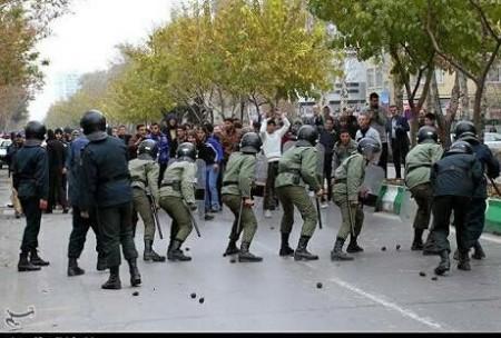 İrandakı etiraz aksiyalarında ölənlər 10-a çatıb-
