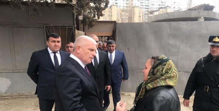 Xətainin icra başçısı xeyir-şər evini sökdürür-