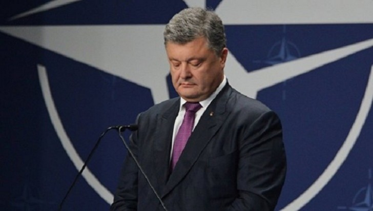 Poroşenko Donbasda ordudan istifadəni qanuniləşdirdi