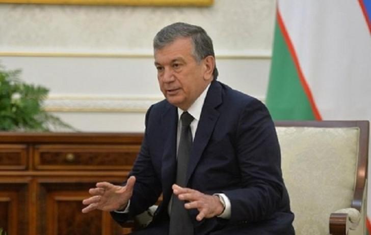 Özbəkistan prezidenti 18 ildən sonra Tacikistana getdi