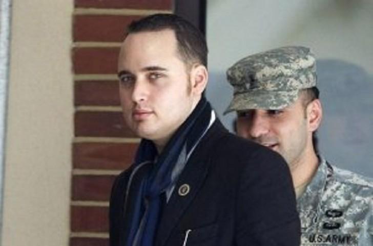 """""""Wikileaks""""in informatorunu ABŞ-a """"satan"""" haker öldü"""