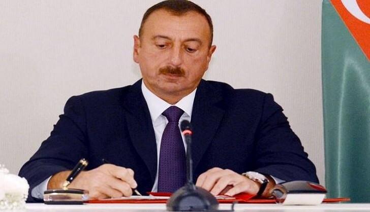 Prezident Əli Həsənova orden verdi