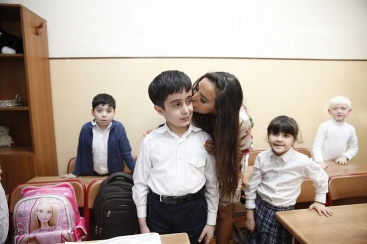 Leyla Əliyeva internat məktəbində olub-