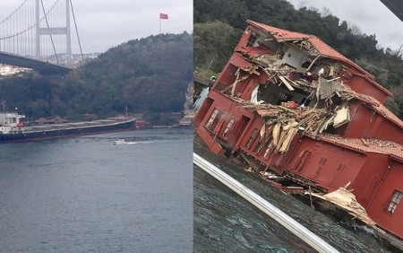 İstanbulda boğazında tanker sahildəki evə çırpıldı-