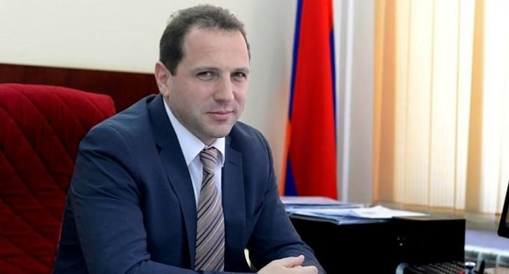 Ermənistanda yeni müdafiə naziri təyin olundu