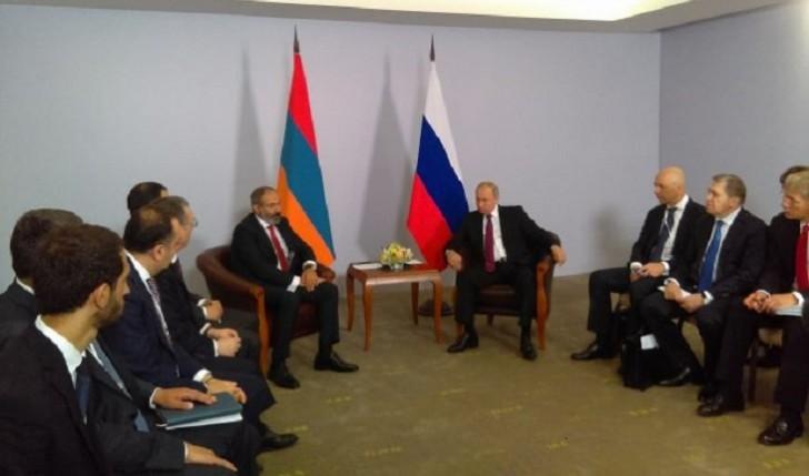 Soçidə Paşinyan-Putin görüşü başladı