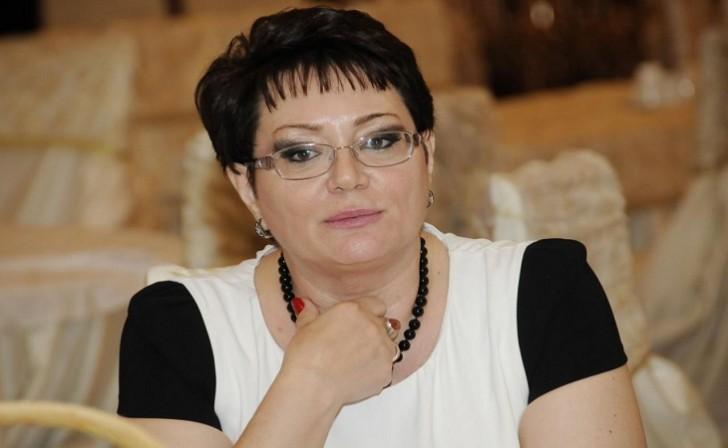 """Elmira Axundovaya """"Xalq yazıçısı"""" adı verildi"""
