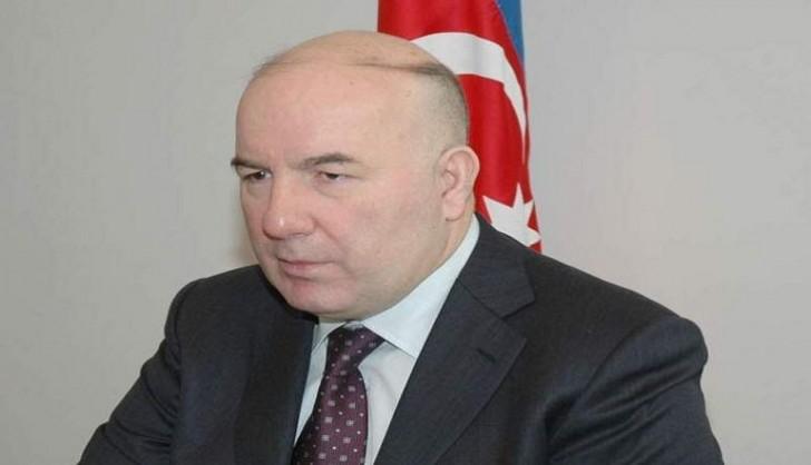 Elman Rüstəmov 200 manatlıq əskinaslar haqda