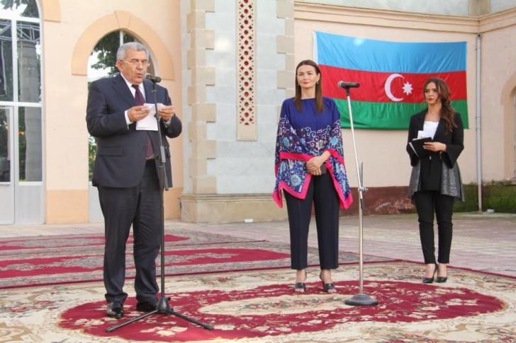 Qənirə Paşayeva Tovuzda Milli Qurtuluş Günü və Ramazan bayramı tədbirində gənclərə çağırış edib