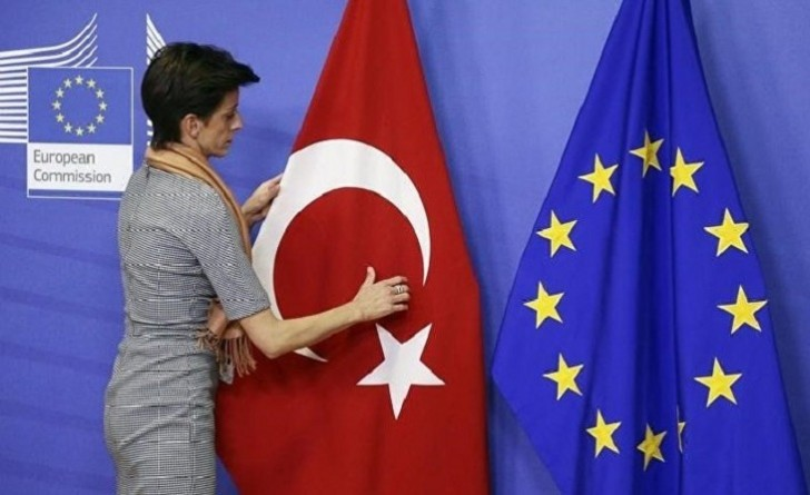 Türkiyə Aİ-yə qoşulmaq şansını itirdi