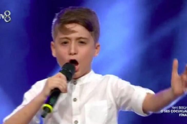 """10 yaşlı azərbaycanlı vokalist """"O Ses Çocuklar""""-ın finalında möhtəşəm perfomans göstərdi-"""