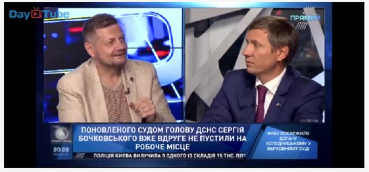 Ukraynada deputatlar canlı efirdə əlbəyaxa oldular