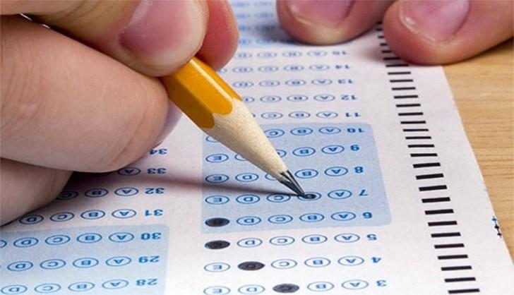 Dövlət qulluğuna qəbul üçün test imtahanı keçirilir