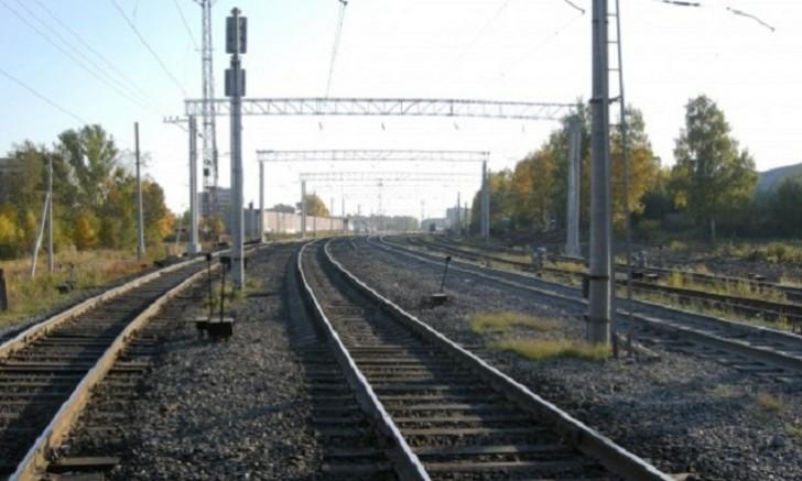 Azərbaycanda dəmir yolu stansiyasından 25 ton rels oğurlandı
