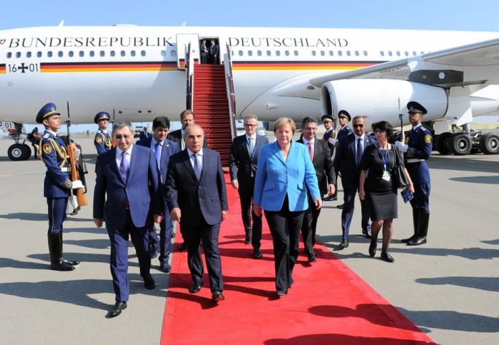 Merkel Bakıda