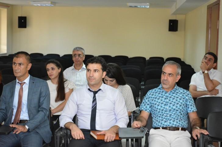 """Aİİ-də """"Sekulyarizasiya prosesi və müasir cəmiyyətdə din"""" mövzusunda seminar keçirilib"""
