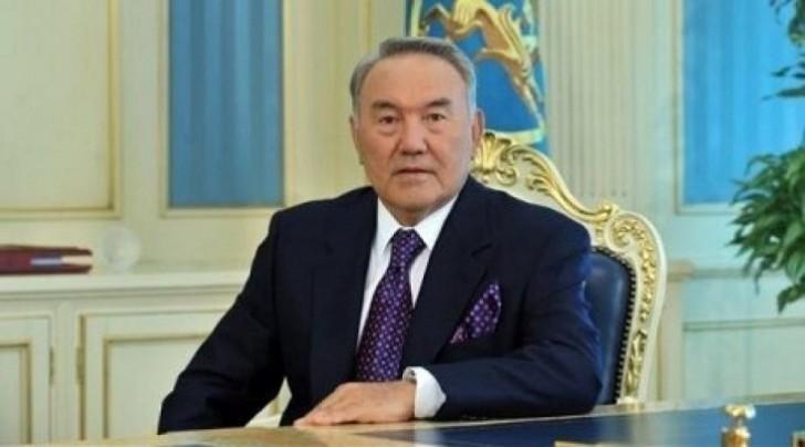 Nursultan Nazarbayev Türküstan əyalətini qurdu
