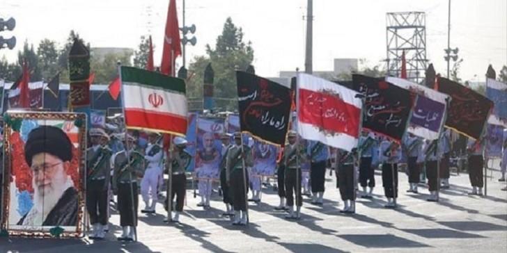 İranda hərbi parad zamanı terror: