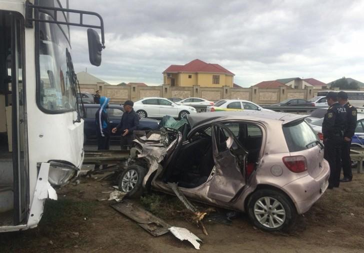 Binəyə gedən 160 saylı avtobus daha bir qəza törədib, yaralananlar var