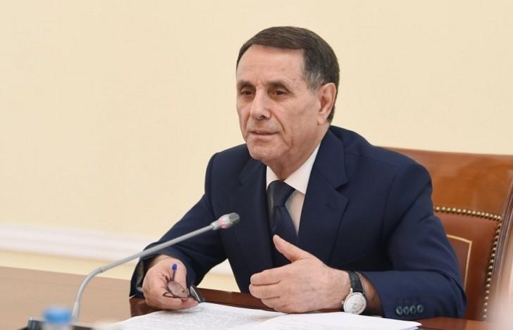 Novruz Məmmədov Nazirlər Kabineti Aparatının iclasını keçirib